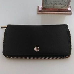 NWT TORY BURCH PARKER TRAVEL CONTINENTAL WALLET !!
